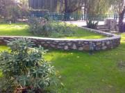 Zidarie pentru terasare teren realizata din piatra naturala decorativa