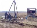 Foto Foraje puturi de mica si medie adancime pe tuburi de beton cu diametrul 30 cm