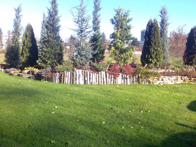 Delimitari si zidarii decorative pentru grupuri de plante de diverse dimensiuni, pentru gradina