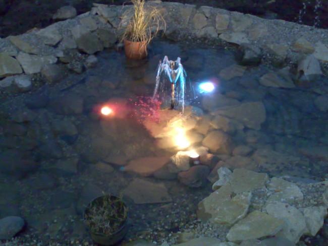 Iluminare iaz, lac artificial cu proiectoare submersibile colorate