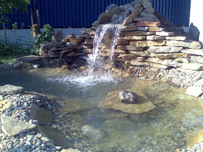 Intretinere iazuri, lacuri si cascade fara loc de inot, curatare filtre, inlocuire spoturi subacvatice, curatare lampa UV