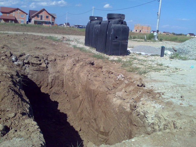 Manipulare si montaj fose septice pentru apa menajera