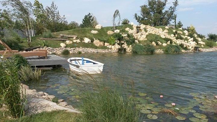 Iaz de pescuit si cascade, filtrare naturala