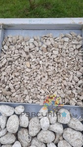 poza Pietris ornamental crem din piatra decorativa concasata Baumita sort 8-20 mm - saci 40 kg