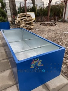 Poza Jardiniere metalice Jumbo xxl din elemente galvanizate la interior si tabla in culori RAL pe exterior
