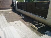 Galerie foto Gard din beton placat cu piatra naturala si panouri de lemn baituit