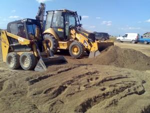 poza Amestec de pamant vegetal fertil de padure cu nisip spalat pentru gazonare (camion 18 mc)