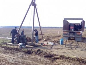 poza Foraje puturi de mica si medie adancime pe tuburi de beton cu diametrul 30 cm