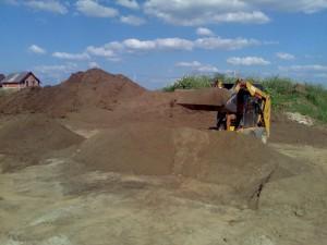 poza Cernere pamant (cantitati mici) si realizare amestecuri vegetale fertile pentru gazon si plantari