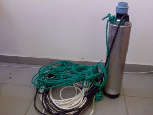 Poza Hidrofor cu presostat electronic si pompa submersibila debit de 80 litri/minut