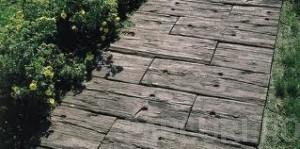 Poza Dale de gradina imitatie de lemn invechit, din beton vibropresat gama BRADSTONE TRAVERSA culoare brun antic
