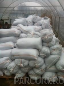 Poza Materiale deszapezire: clorura de calciu ambalata in saci. materiale antiderapante si degivrante